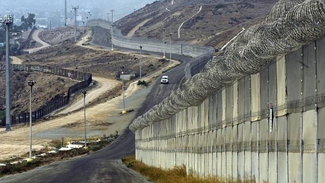 Exchang dinamarquisa especialista em inovações em emprestimos se oferece para ajudar Trump na contrução do muro, a criação de um token pode ser a solução.