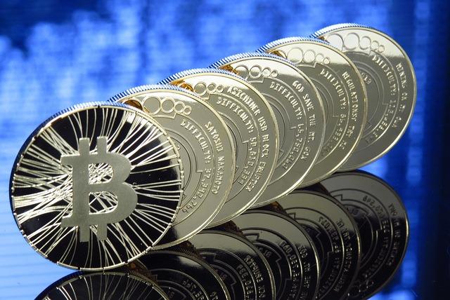valor intrínseco é obtido através da relação do preço da ação com o prêmio de exercício. Nesse artigo mostraremos onde observar esses valores no Bitcoin.
