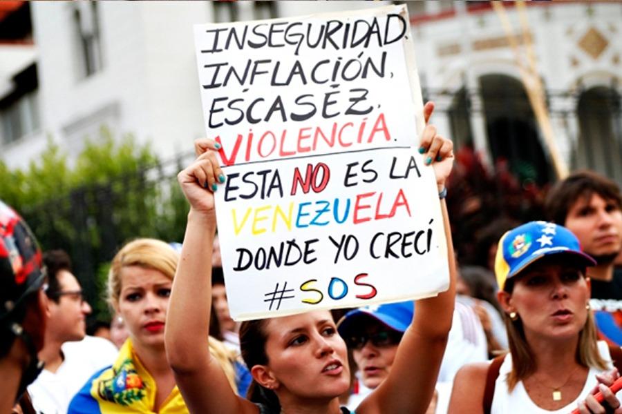 VENEZUELA, fechamento de fronteiras, aumento de contas e impostos. Bitcoin aparece como solução para envio e recebimento de dinheiro nesse país que anda com extremo controle governamental.