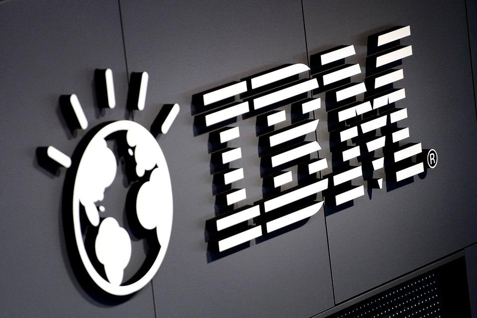 Muitas empresas trabalham atualmente no desenvolvimento de blockchains, porém, nenhuma delas tem tanta expressividade quanto a IBM Corporation e sua manada de blockchains.