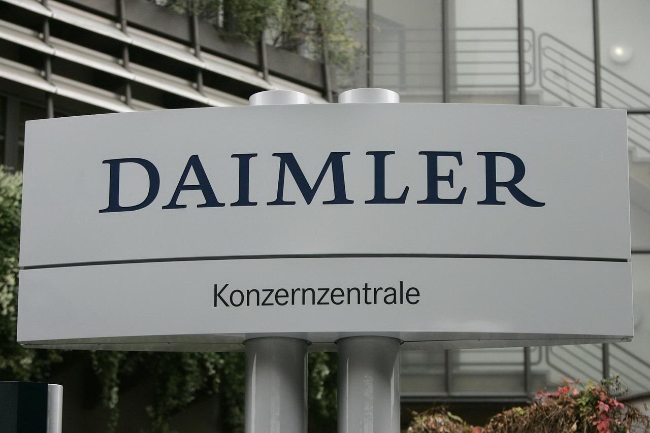 Depois da compra da PayCash, uma empresa de transferência de valores, a Daimler já sinalizou que poderá utilizar a moeda digital para construir a sua presença na África.