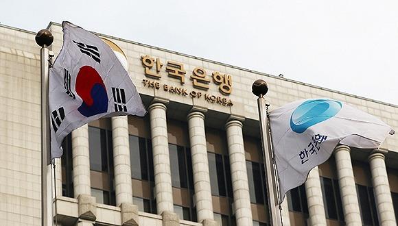 O Banco central da Coréia planeja executar o projeto de tecnologia de blockchain da prova de conceito do consórcio R3. Kim Jung-hyuk, chefe da equipe de planejamento de e-finanças para o serviço de supervisão financeira do banco, anunciou o projeto na conferência Digital Money 2017, de acordo com a EconoTimes.
