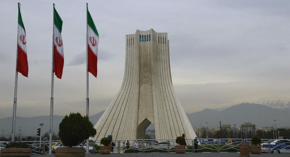 O diretor do Banco Central do Irã, anunciou oficialmente durante entrevista em rede nacional que o Dólar Americano não seria mais utilizado dentro do país