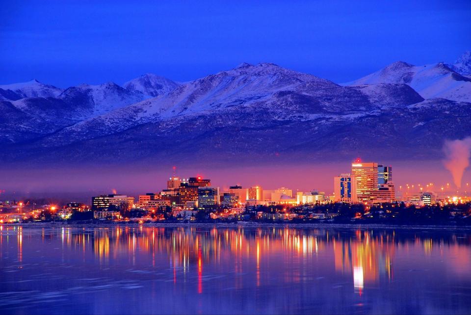 Legisladores no Alasca, EUA, estão buscando alterações regulatórias que exigem certos serviços de moeda digital que trabalham no estado para obter licenças de transmissão de dinheiro.