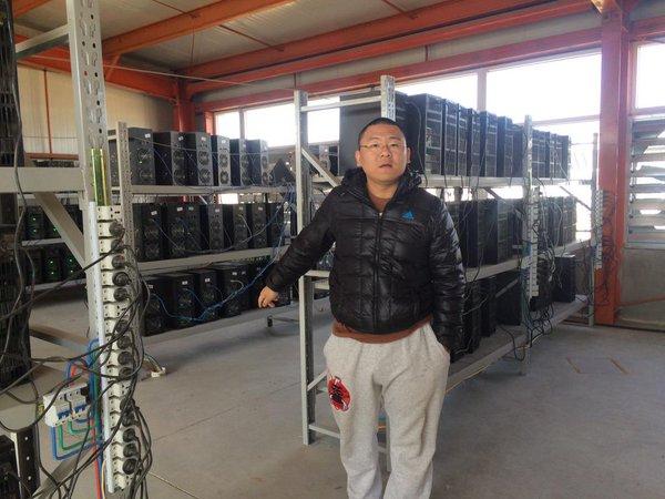 Depois da Antpool agora é a vez de Chandler Guo, aderir ao Bitcoin Unlimited. Guo, um chinês bem conhecido no mundo das criptos não só por ser um investidor anjo, mas também por sua forte personalidade. O empresário anunciou publicamente seu apoio ao protocolo BU. O anúncio sobre isto ocorreu no twitter de Guo.