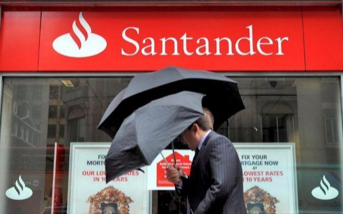 O Grupo Bancário Santander introduziu um pedido de Blockchain para pagamentos transnacionais, com base na tecnologia desenvolvida pela Ripple xCurrent.