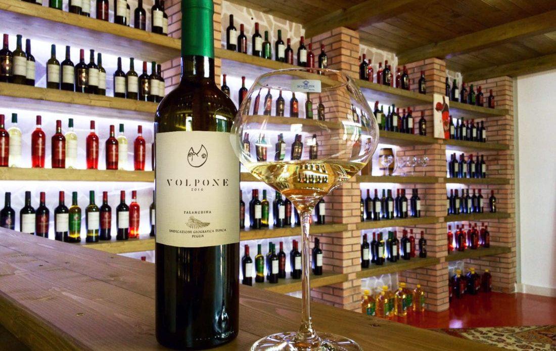 A EY cria o Wine Blockchain com o objetivo de certificar e comunicar a qualidade e origem geográfica dos vinhos produzidos na Itália. A startup EzLab também participa desse projeto.