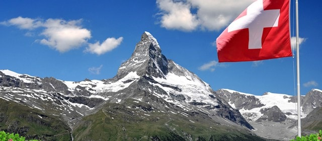 A associação Bitcoin da Suíça (BAS) juntou-se a um novo membro corporativo representado pela filial local de uma das quatro grandes empresas globais de consultoria (Big 4), a Ernst & Young (EY).