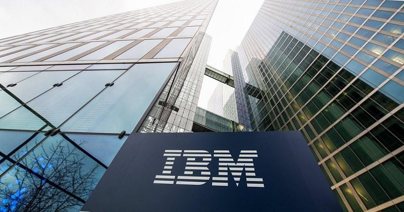 """Os líderes da IBM estão confiantes de que o desenvolvimento da tecnologia de Blockchain lança um movimento global que envolve """"cadeias de suprimentos, serviços financeiros, serviços públicos e assistência médica"""". Portanto, na próxima década, esse mercado é capaz de superar a marca de US$3 trilhões em capitalização."""