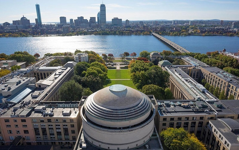 No dia 1 de agosto de 2017 o Instituto de Tecnologia de Massachusetts (MIT) vai lançar um projeto cripto-Litecoin orientado, cujos detalhes ainda estão cobertos com um pesado véu de sigilo.