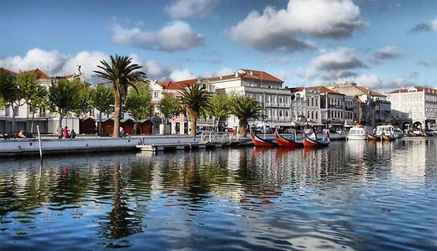 O chefe do Banco Central de Portugal, Helder Rosalino, disse que o regulador financeiro não considera o Bitcoin uma moeda, já não atende às características necessárias.