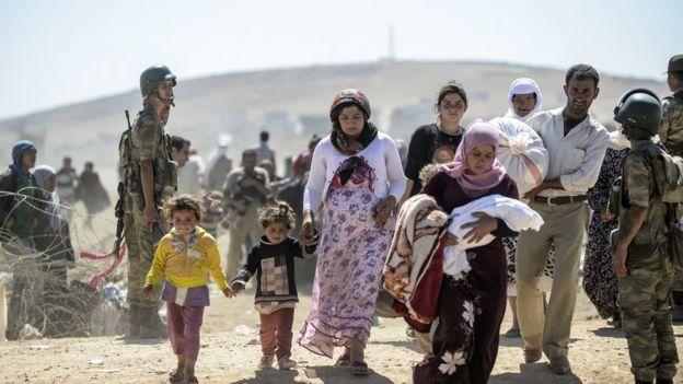 O Programa Mundial de Alimentos (PMA), que faz parte da ONU, usou a rede Ethereum para implementar um programa de ajuda humanitária direcionada para 10 mil refugiados sírios.