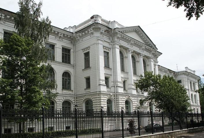 """Empregados da Universidade Politécnica de São Petersburgo """"Peter the Great"""" desenvolveu uma blockchain que visa proteger os consumidores das falsificações de produtos lácteos."""