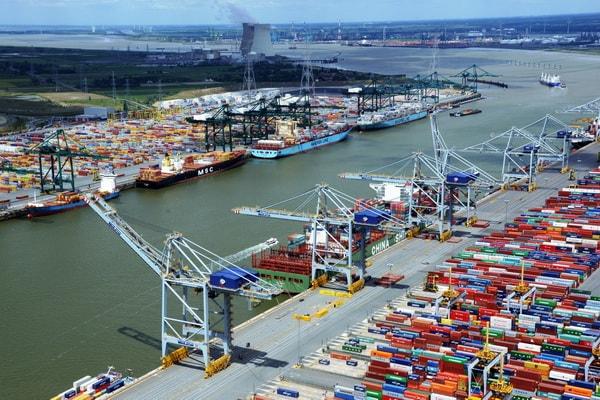 O segundo maior porto na Europa em termos de volume de negócios de contêineres, o porto da Antuérpia está lançando um projeto piloto de blockchain destinado a otimizar processos logísticos.