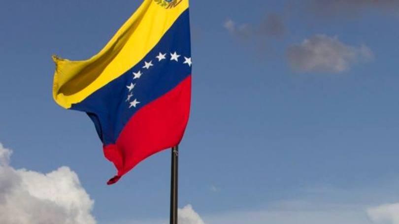 O candidato à Assembléia Geral Constitucional na Venezuela, Jorge Dommar publicou recentemente um vídeo no qual ele pede a adoção de criptografia e afirma que ajudará o país, facilitando o acesso aos mercados globais e colocando a Venezuela na vanguarda de um novo sistema financeiro global.