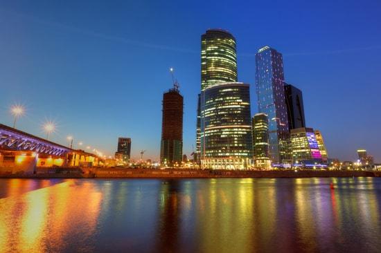 Na noite de 23 de fevereiro, uma gangue de pessoas desconhecidas raptou um criptoinvestidor no sul de Moscou. Levando-o a um lugar deserto, os atacantes cortaram o rosto da vítima até que ele transferisse para eles todas as criptomoeds em sua posse