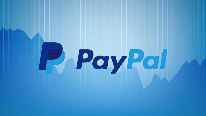 """O PayPal anunciou recentemente que os usuários em breve poderão """"transferir"""" instantaneamente dinheiro entre seus serviços e suas contas bancárias, desde que paguem uma taxa de 25 centavos por transação."""