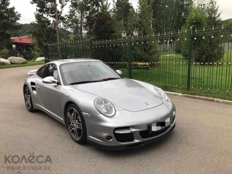 Um residente do Cazaquistão quer trocar carro esportivo Porsche por uma fazenda de mineração de Bitcoin ou Ethereum