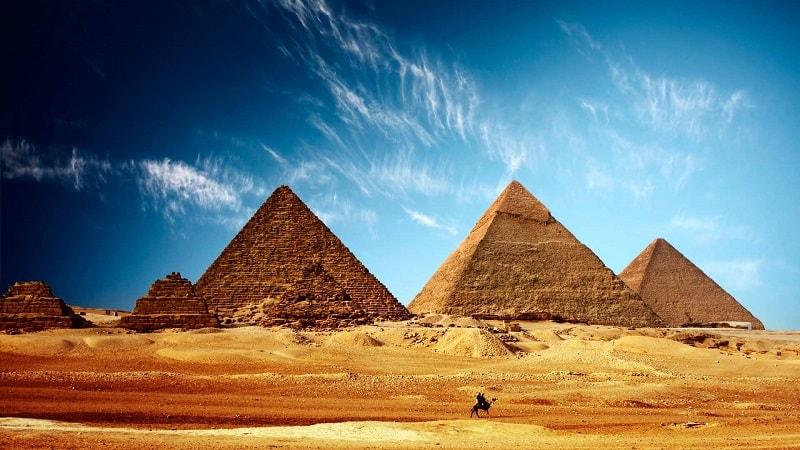O Grande Mufti* do Egito, Sheikh Shawki Allam, emitiu uma fatwa proibindo o comércio em criptomoedas.