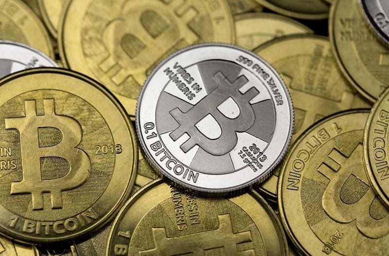 Depois de muita discussão e argumentos, tanto válidos quanto inválidos de ambos os lados, o empasse da rede do Bitcoin terminou com a criação da nova critpomoeda Bitcoin Cash (BCC). Apesar de praticamente nenhuma corretora estar aceitando ainda depósitos na nova cripto, seu mercado de capitalização já ocupa o 4.º lugar na listagem do site CoinMarketCap, com mais de US$ 6 Bilhões até o momento.