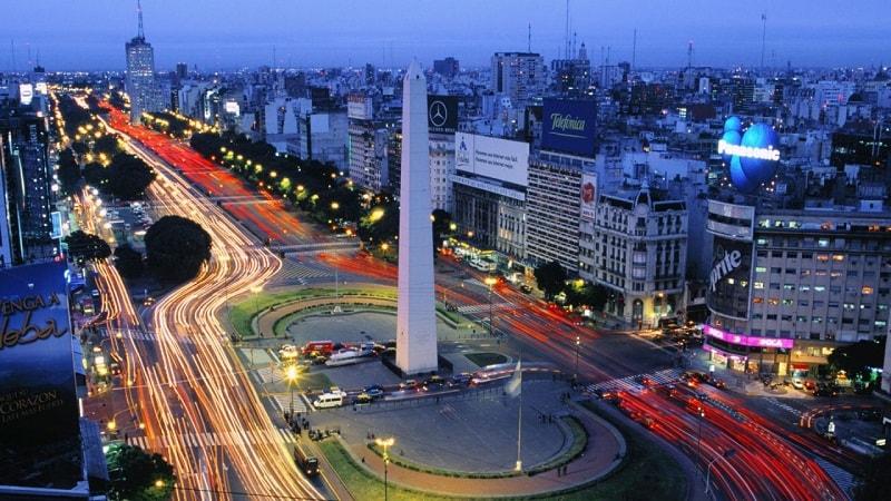 Em outubro, serão lançados na Argentina 200 caixas eletrônicos de Bitcoins, cuja característica será o suporte de várias moedas e a possibilidade de sua conversão em várias direções.