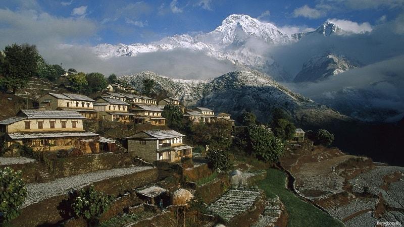 O Nepal Rastra Bank emitiu um comunicado afirmando que o uso e negociação de Bitcoin está proibida no país, por isso, a corretora de criptomoedas Nepal Bitsewa informou a seus clientes que está parando seus serviços.