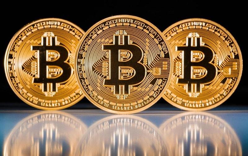 "No dia 12 de dezembro, na rede Bitcoin, no bloco 498.888, ocorreu outro hardfork – o Super Bitcoin –, realizado pelos desenvolvedores chineses sob o slogan ""Make Bitcoin Great Ag"