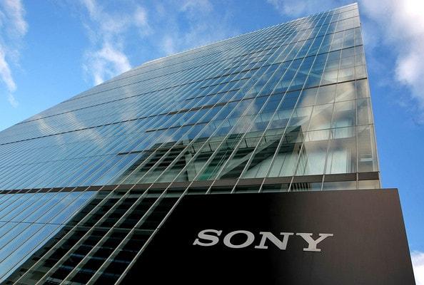 A gigante japonesa de tecnologia, Sony, e sua filial, a Sony Pictures Entertainment, apresentaram em conjunto um pedido de patente para um sistema de armazenamento de direitos digitais baseado na tecnologia de Blockchain.