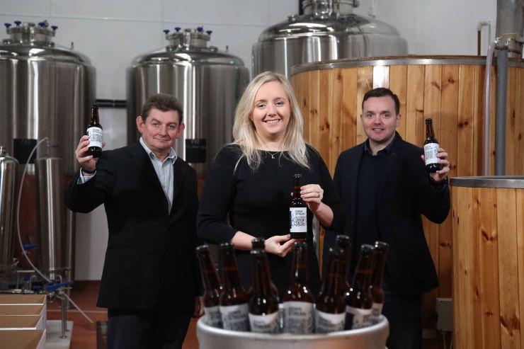 O distribuidor de cervejas artesanais da Irlanda do Norte, Irlanda Craft Beers e a empresa de tecnologia de Blockchain arc-net lançaram um projeto conjunto para armazenar dados sobre a produção de cerveja artesanal usando o registro distribuído.