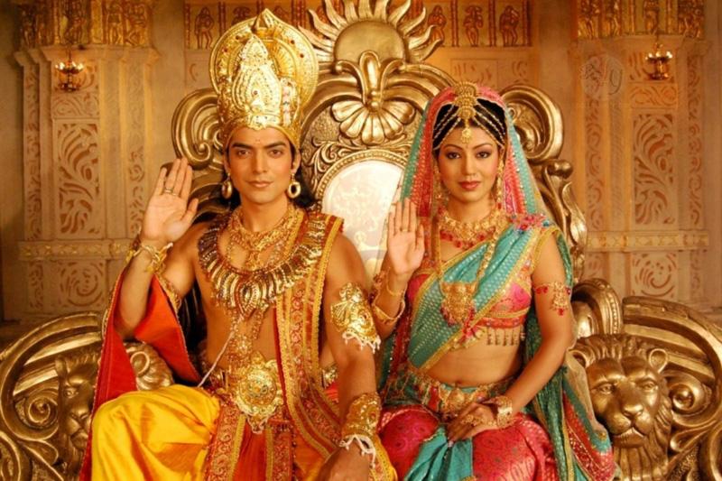 O Bitcoin está entrando cada vez mais na vida cotidiana do povo da Índia. Para exemplificar, vale citar os recém-casados Prashant Sharma e Niti Sri da cidade de Bangalore, que pediram a todos os convidados que os entregassem Bitcoins como presente do casamento.