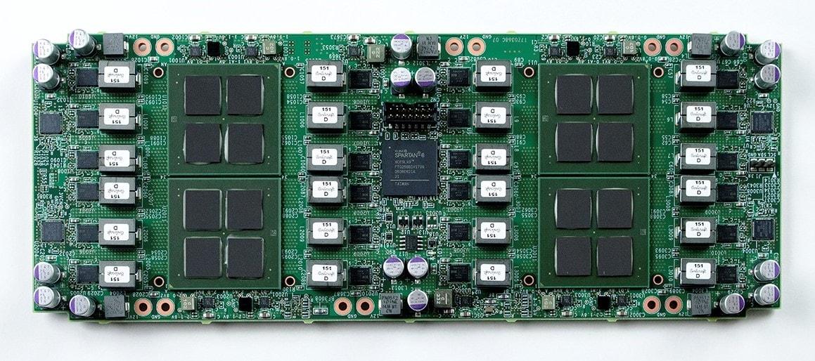 A GMO Internet Group Corporation anunciou o desenvolvimento bem-sucedido de chips de mineração Fin Fet Compact (FFC) de 12 nanômetros. De acordo com o site da empresa, este é um importante passo em direção à criação de dispositivos de 7 nanômetros ainda mais produtivos.
