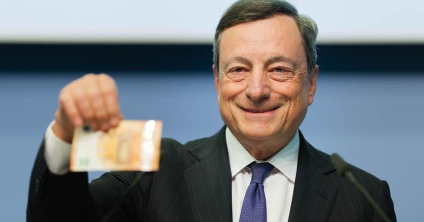 O presidente do Banco Central Europeu (BCE), Mario Draghi, afirmou que o regulador está estudando os riscos potenciais que as moedas criptográficas representam para a estabilidade financeira do setor bancário.