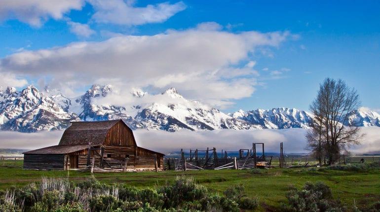 Funcionários do estado americano do Wyoming aprovaram uma nova lei que isenta tokens utilitários das leis sobre valores mobiliários. 27 de 30 senadores votaram a favor da emenda, diz o registro público.