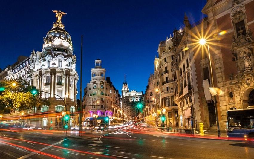 O Partido Popular do atual Primeiro-Ministro da Espanha, Mariano Rajoy, está elaborando uma lei que proporcionará preferências fiscais a empresas que utilizem a tecnologia de registro distribuído em suas atividades.