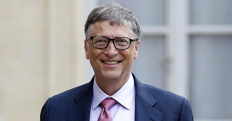 """O co-fundador da Microsoft, Bill Gates, realizou uma sessão AMA (""""Pergunte-me sobre qualquer coisa"""") no Reddit. Quando as questões começaram a abordar criptomoedas, ele observou que uma das principais características dos ativos digitais era sua capacidade de rastrear o financiamento do terrorismo e o branqueamento de capitais, sendo que ao mesmo tempo culpou o novo instrumento financeiro de mortes reais."""