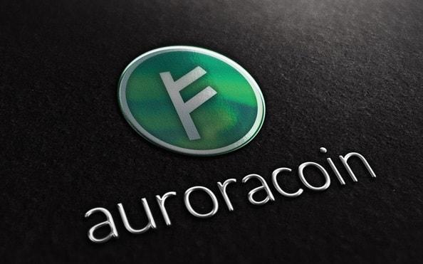 O Auroracoin, primeira moeda da Islândia, foi criada em fevereiro de 2014 pela fundação Auroracoin, como alternativa para driblar às restrições impostas pelo governo, incluindo o decreto Foreign Exchange Act, que proíbe, desde 2014, a negociação de Bitcoin na Islândia.
