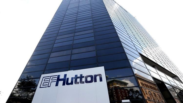 O corretor americano EF Hutton anunciou sua intenção de fornecer informações analíticas sobre criptomoedas aos seus clientes.
