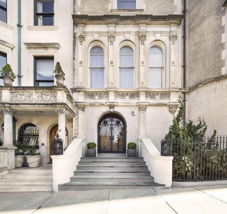 Roy Niederhoffer, presidente da R.G. Niederhoffer Capital Management, baseada em Nova York, crê fortemente no futuro do Bitcoin, e se prontificou a aceitar Bitcoins por sua mansão em Manhattan (avaliada em US$16 milhões) recentemente posta à venda.