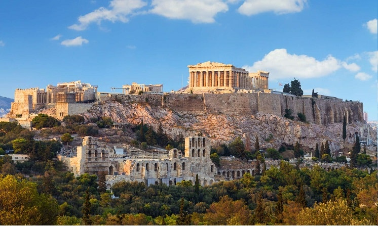 No dia 3 de outubro, dois investigadores da polícia financeira grega convocaram Alexander Vinnik, suspeito de lavagem de dinheiro através da BTC-e, para interrogatório em conexão com o início do processo criminal.