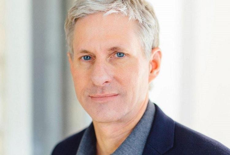 De acordo com a Forbes, Chris Larsen, co-fundador e ex-chefe da startup Ripple, está em 383º lugar na lista das 400 pessoas mais ricas do planeta – a revista estimou sua fortuna em US$2,1 bilhões.